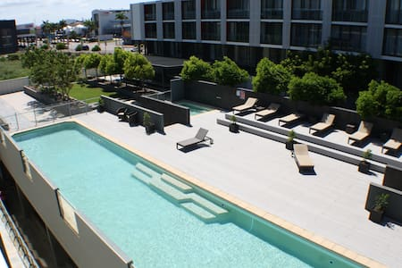 2 Bedroom Apartment River Views - Townsville City