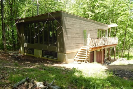 Modern Cabin with Lake/Ridge View - Wallkill - Hytte