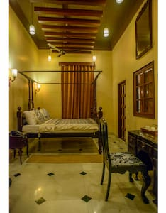 Room type: Private room Property type: Bed & Breakfast Accommodates: 2 Bedrooms: 1 Bathrooms: 6