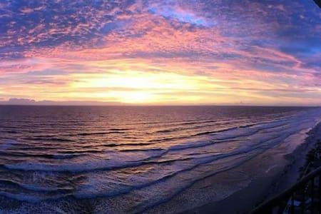 Dreamed Ocean Front Getaway - 公寓