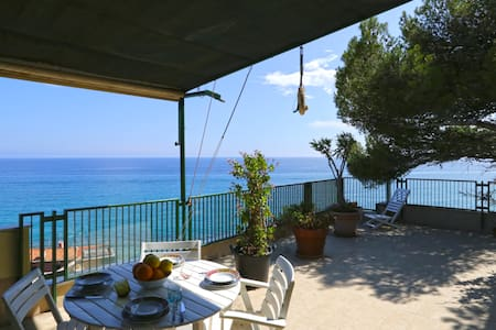 Olive beach, terrace with stunning sea view - Varigotti - Apartment