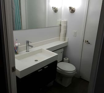Stay in Fabulous Downtown Toronto - Toronto - Apartment