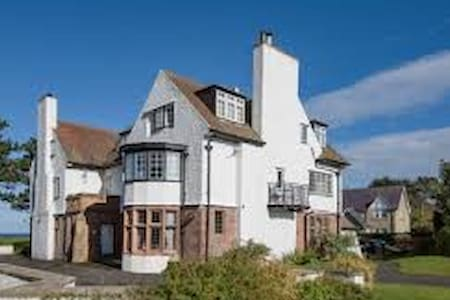 Captain's Rest West House, Bamburgh - Bamburgh - Apartamento