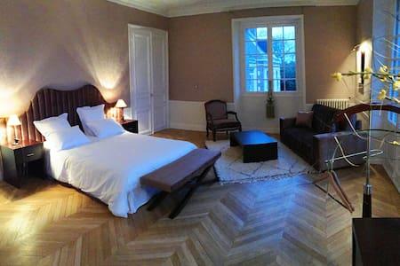 4 suites au Château de La Faye - Zamek