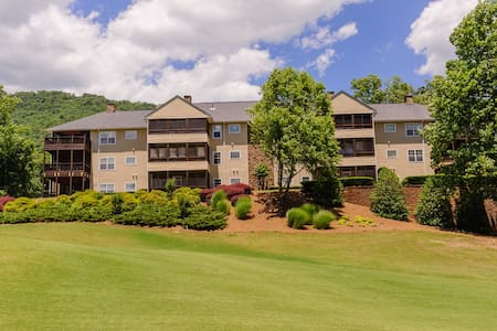 North Georgia Mountains Golf Resort. - Condominium