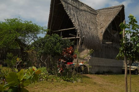 Self-catering Holiday Accommodation in Tofo, Moz - Tofo Beach