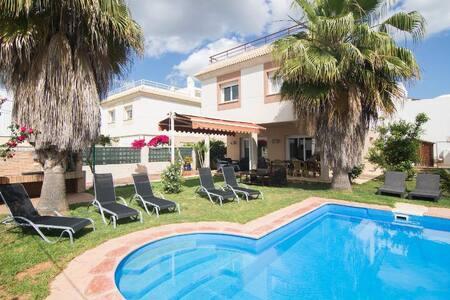 Casa unifamiliar en ibiza - Villa