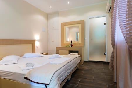 Anita Hotel - Kerkira