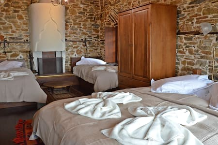 Fyloma #5 - Traditional guesthouse in Pelion - Bed & Breakfast