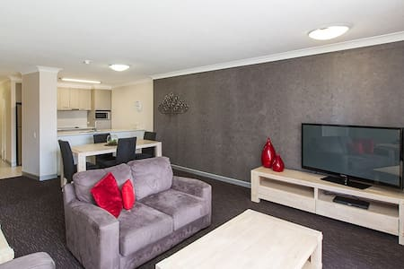 Two Bedroom Unit-South Brisbane