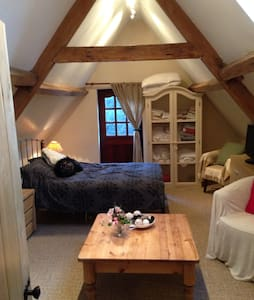 Lovely spacious double loft room