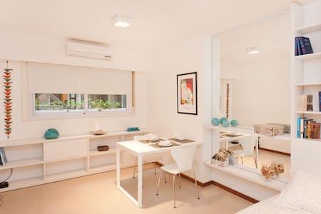 Super Cozy Studio f/2 in Recoleta - Buenos Aires - Apartamento