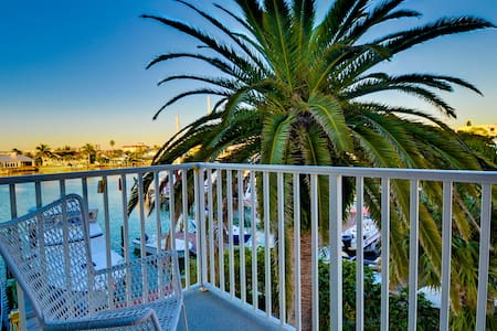 Bayside Condos 20 - Apartment