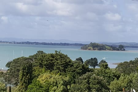 1960's Cosy with views - Parua Bay - Talo
