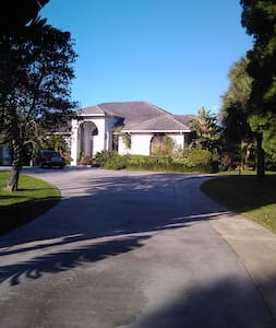 Attached 1/1 on 3 acres, pool - Wellington - Appartement