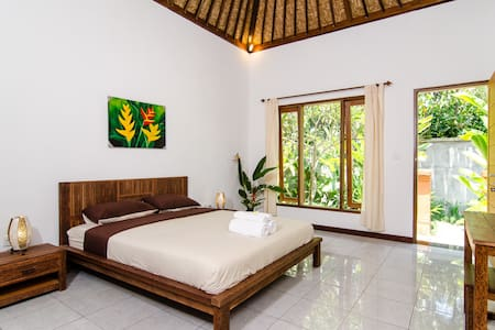 Lush accommodation in Sayan Ubud located just 10 mins drive to Ubud center surrounded by traditional village of Ubud  and feel truly of traditional Bali and Feel peace & quite
