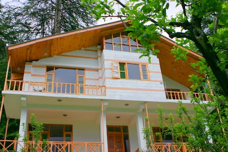 Cottage with 5 double bedrooms - Dům