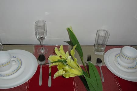 Comfy Cebu Condo for 4 in the City @Promo Rates. - Mandaue City - Condominium