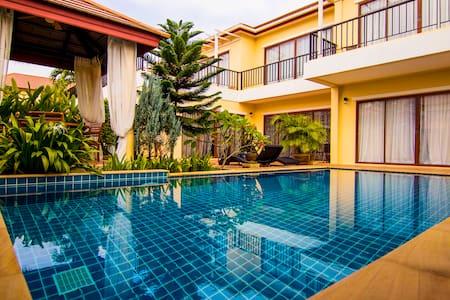 Excellent 3BR  Villa in BangTao - Thalang - Villa