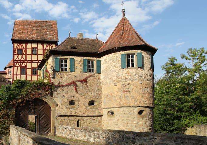 Falkennest für Verliebte auf Reisen - Castle