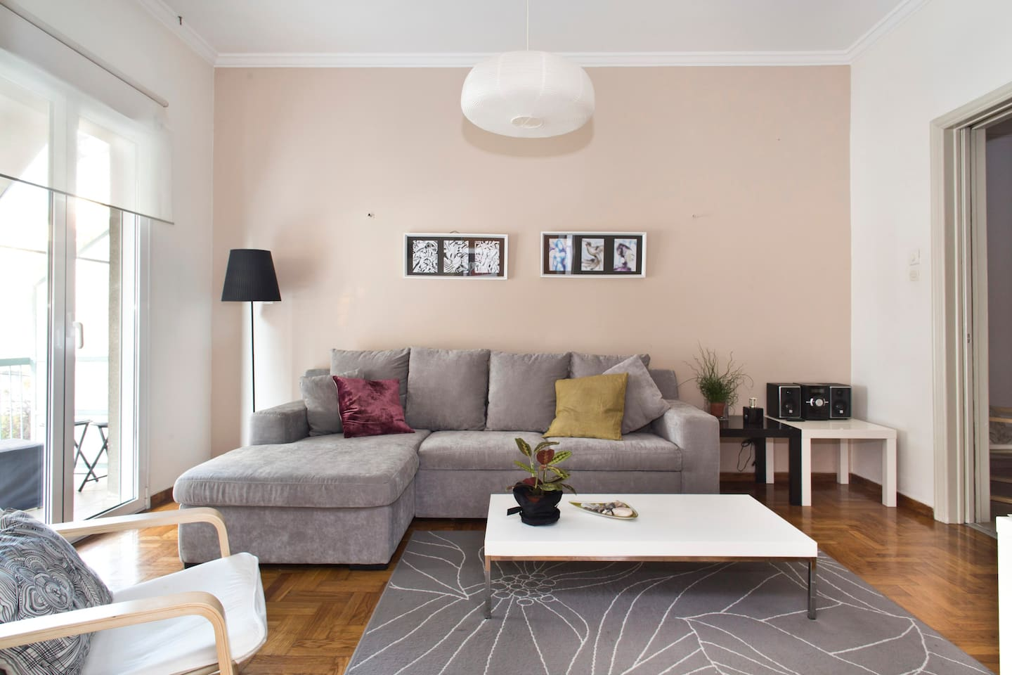 Living room (double sofa bed)