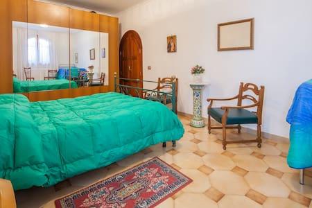 home holidays apartment jose' - Maiori - Casa