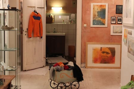 Kunst und Musik in altem WG-Haus