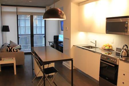 NEW TORONTO CONDO! - Toronto - Condominium