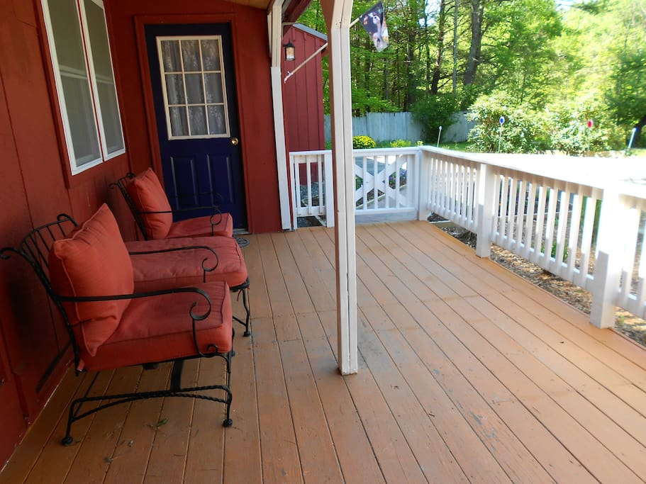 Private deck & entrance to the Cottage with adjacent garden