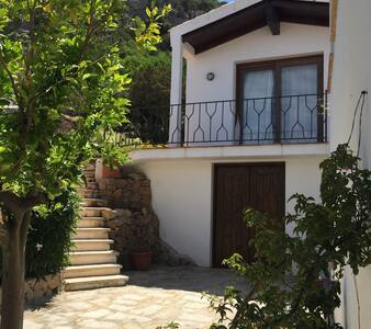 appartamento con giardino porto cervo - Pantogia - House