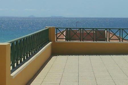 Penthouse Stunning Ocean View - アパート