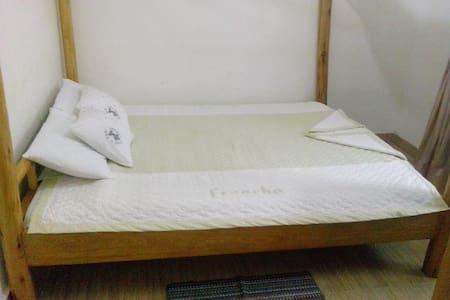 Chel and Vade Standard Room - Jinja - Bed & Breakfast