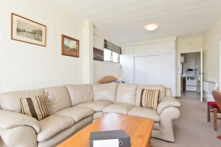 1 bed unit - sleeps 4 - in Omokoroa