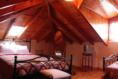 Cosy Attic apartment 60m2 Nafplio!! - Loft