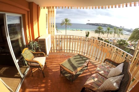 1º line large apartment on the beach with seaviews - Calvià - Flat