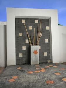 Acacia Service Suites - Bangalore - Lägenhet