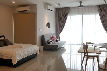 Modern Bohemian B&B - Petaling Jaya - Condominium