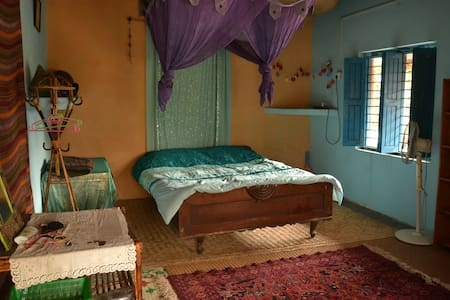 Double bedroom with shared bathroom - Pokhara - House