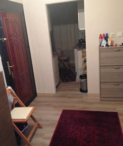 close to airport,metro.Quiet single or double room - Bağcılar - Apartment
