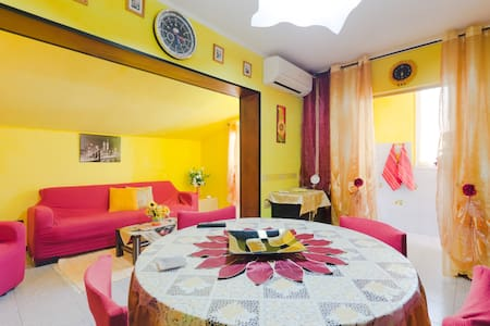 Colorful apartment near the beach - Roseto degli Abruzzi - Lägenhet