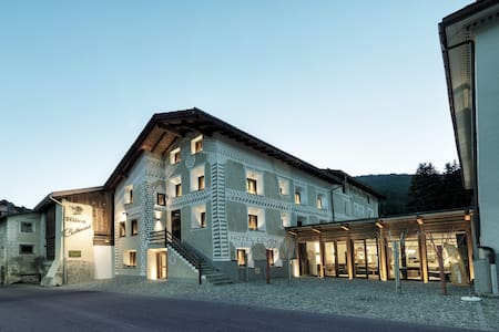 Affordable luxury in Engadin syle - Bed & Breakfast