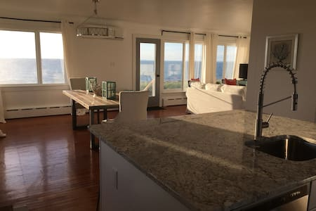 Beachfront home on the North Fork - Southold - House