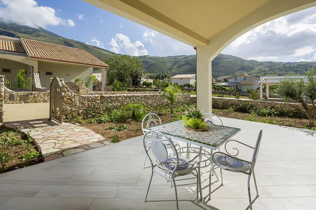 Patio e giardino privato