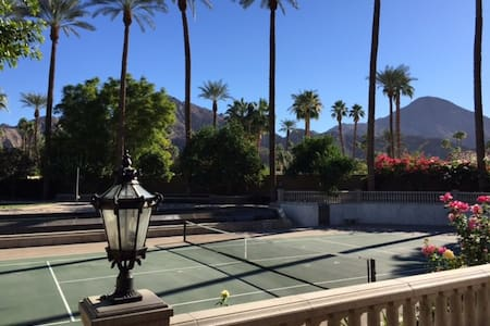 Indian Wells Private Tennis Estate. - インディアンウェルズ