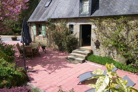 Gîte typique de Normandie en  forêt - Haus
