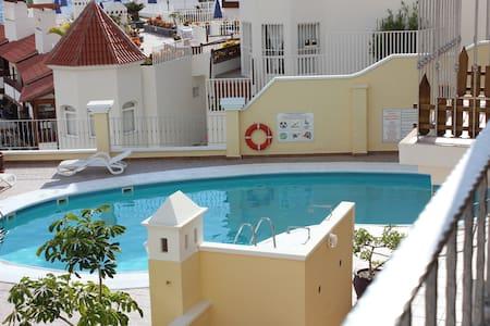 Appartement op zonnig Tenerife - Apartment