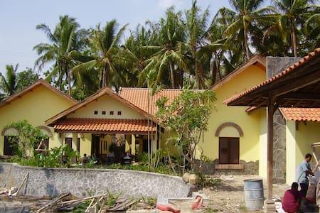 theSawah Home Hotel 1: Guest Room - Bantul - Villa