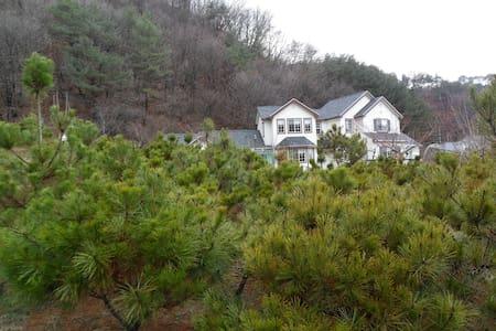 왕관자리 - Cheongil-myeon, Hoengseon - Casa