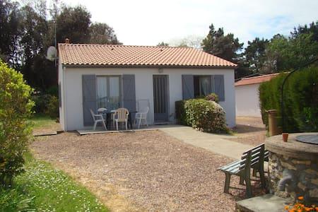 Maison indépendante avec jardin - Longeville-sur-Mer - House