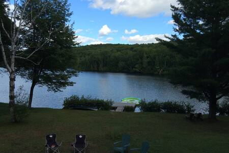 Lakefront Cottage - Hot Tub - Cardiff - Cabin